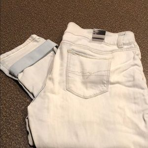 NWT NY&CO distressed boyfriend jeans